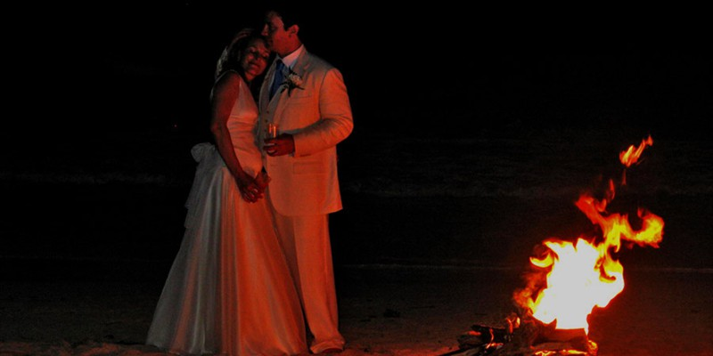 Romantic wedding on the beach